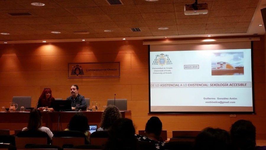 Asistimos al curso Universitario de Sexología de la mano de Ivan Rotella y Ana Fernandez de Astursex